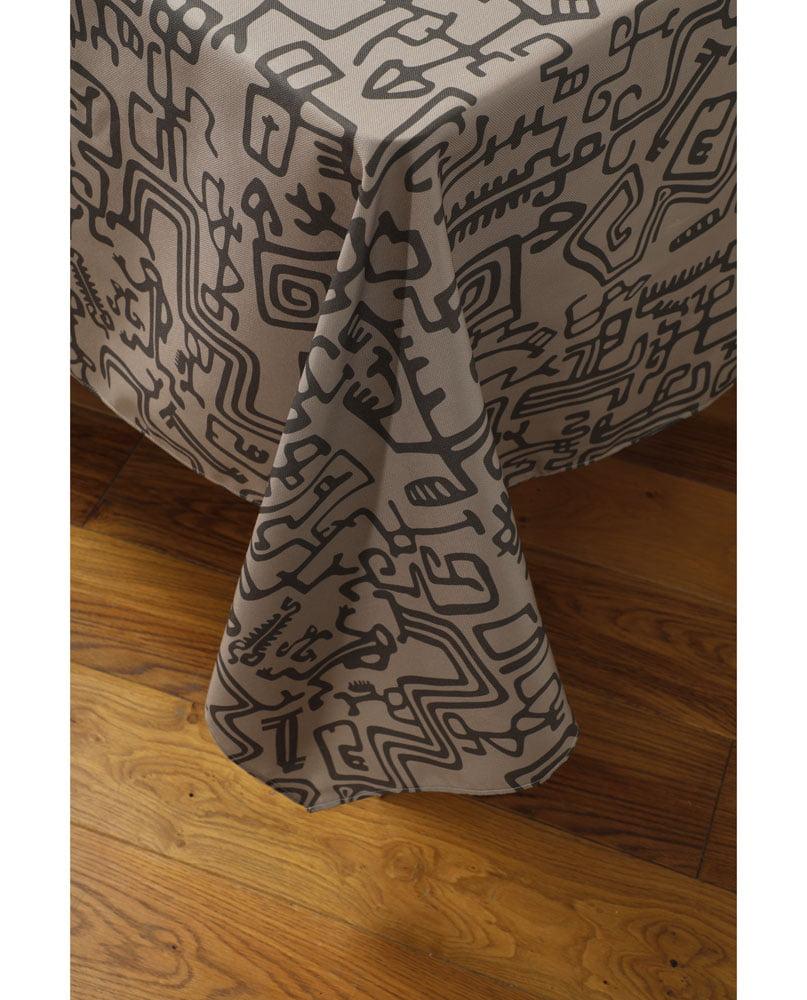 """Tombé de nappe """"Gliffes"""". Imprimée sur polyester recyclé."""